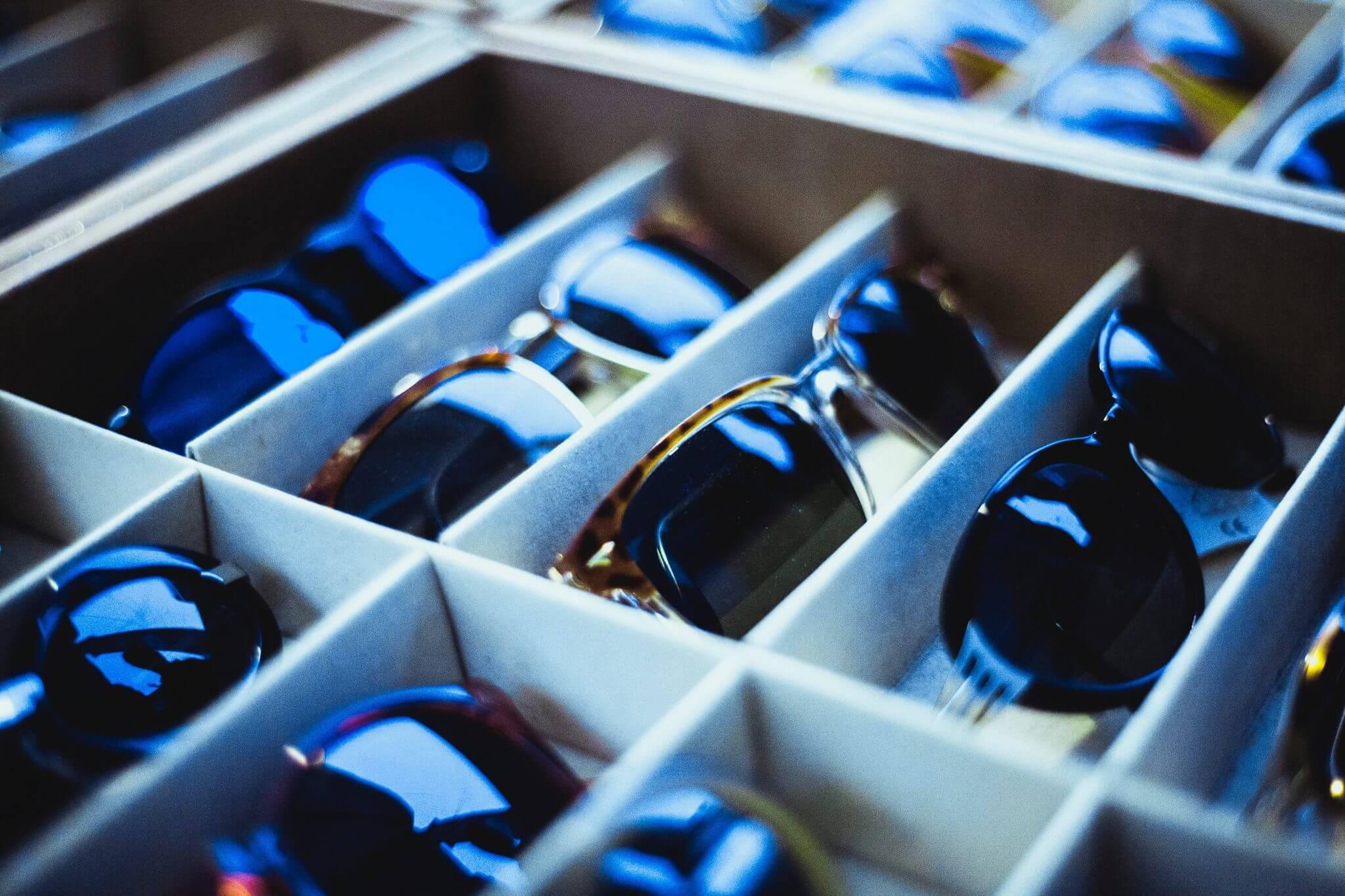 Varealger af solbriller som kunne være til salg